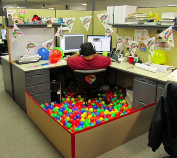 Cubicle Décor Ideas To Make Your Home Office Pop: Happy Birthday To Me!